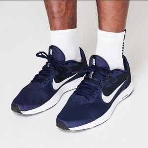 NIKE Men's running shoes Downshifter 9 Size 11